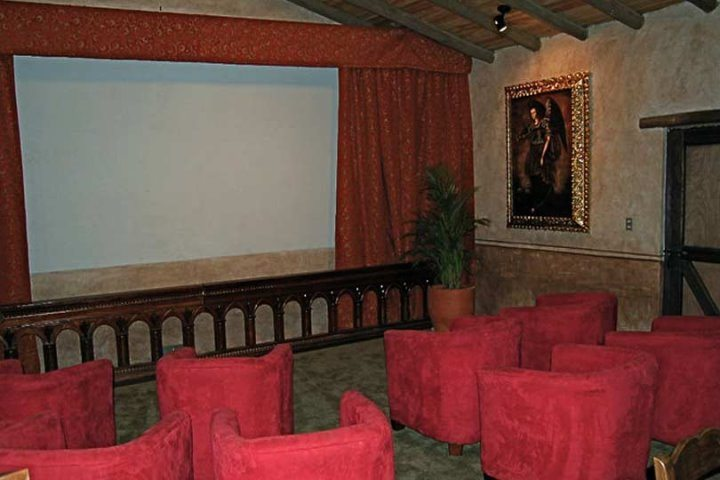 Hacienda Cusin | Conference Room