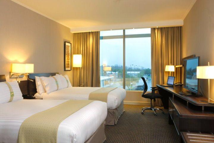 Holiday Inn Santiago Airport | Double Bed Guestroom