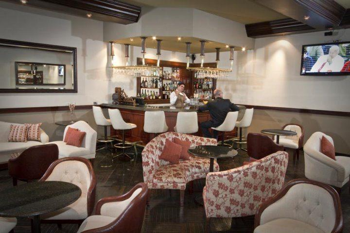 Hotel Dann Carlton Quito | Piccadilly's Lobby Bar