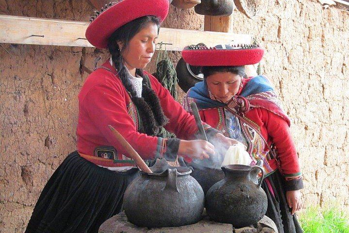 Wool Dyeing Process, Chinchero, Peru