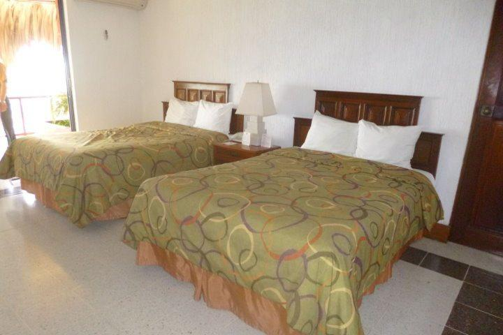 Hotel-Camino-Real-Tikal-Deluxe-Room