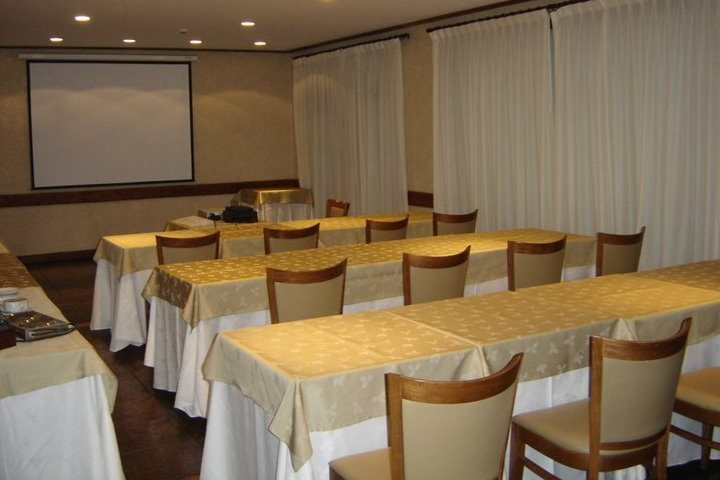 Calafate Parque Hotel | Meeting Room