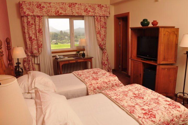 Llao Llao Hotel & Resort | Bustillo Standard Room Twin