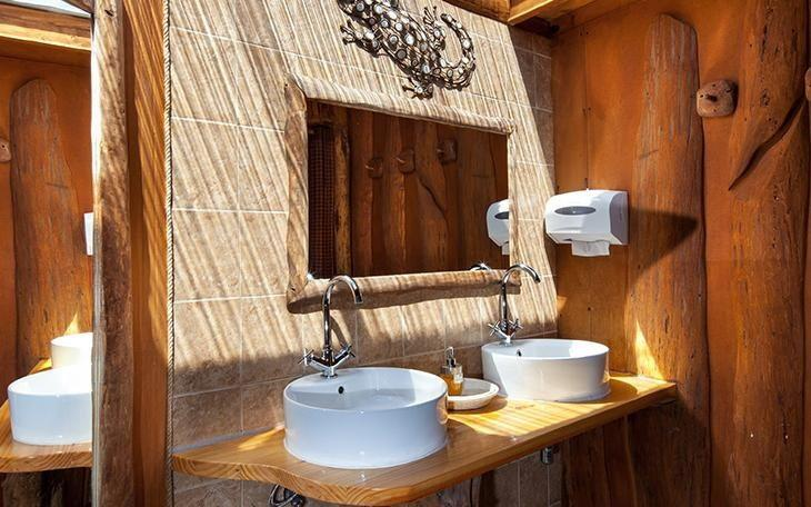 EcoCamp Patagonia | Standard Dome Bathroom