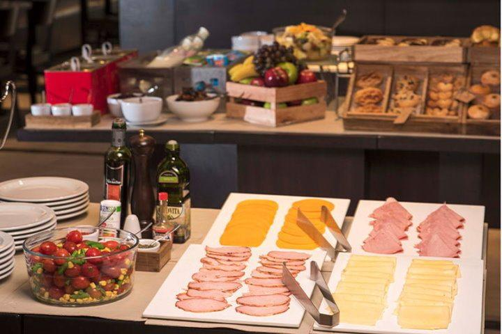 ARC Recoleta | Buffet Breakfast